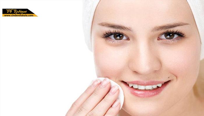 استفاده از محلول آرایش پاک کن