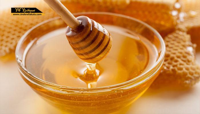 خاصیت عسل برای مرطوب کردن دست ها