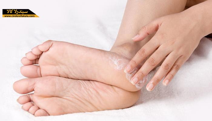 درمان ترک پاشنه پا با روش های خانگی موثر