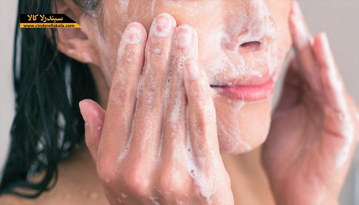 صورت خود مداوم را بشویید.